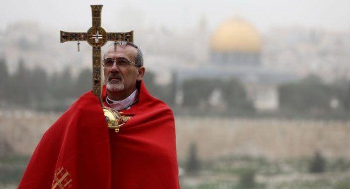 El arzobispo Pizzaballa bendice Jerusalén en tiempos de coronavirus