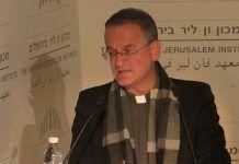 David Neuhaus, de familia judía, sacerdote y jesuita, es un buen observador de las identidades complejas en Tierra Santa
